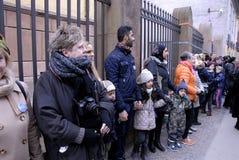 Os povos acorrentam para judeus em Dinamarca Imagem de Stock