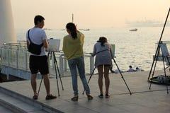 Os povos aprendem a pintura Fotografia de Stock Royalty Free