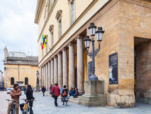Os povos aproximam di Parma de Teatro REGIO do teatro da ópera Fotos de Stock Royalty Free