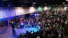 Os povos atendem ao festival de Gamefilmexpo vídeos de arquivo