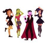 Os povos em Dia das Bruxas party trajes - bruxa, zombi, vampiro, dracula Imagens de Stock Royalty Free