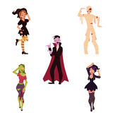Os povos em Dia das Bruxas party trajes - bruxa, zombi, vampiro, dracula, mamã Imagens de Stock