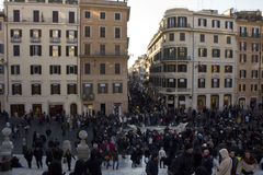 Os povos em Praça di Spagna esquadram em Roma Fotos de Stock