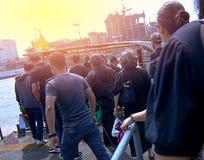 Os povos estão viajando pelo barco tailândia Imagem de Stock