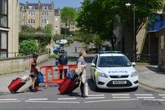 Os povos evacuam casas depois que achado da bomba no banho Inglaterra Imagens de Stock