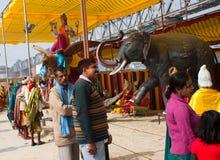 Os povos indianos visitam o parque de diversões Fotografia de Stock Royalty Free
