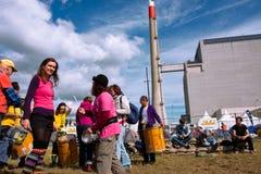 Os povos jogam a música no festival contra o central nuclear Imagens de Stock Royalty Free