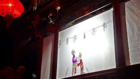 Os povos locais vão ao de bastidores ver para moldar no condado de Yu video estoque