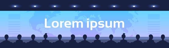 Os povos sentam a opinião traseira traseira do salão do cinema que olha o vídeo internacional do conceito da globalização do negó ilustração stock