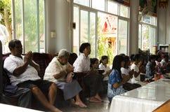 Os povos tailandeses juntam-se com dia do mérito 100 de morte ou do ritual inoperante 100 Foto de Stock Royalty Free