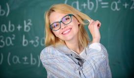 Os princípios podem fazer o ensino de mais eficaz e mais eficiente O ensino eficaz envolve adquirir o conhecimento relevante foto de stock