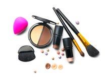 Os produtos do contorno da composição, compõem ferramentas do artista Composição de contorno da cara Destaque, máscara, contorno  foto de stock