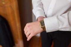 Os relógios de pulso dos homens Imagem de Stock