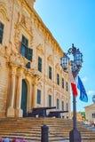 Os revérbero em Castille Place, Valletta, Malta fotos de stock