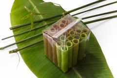 Os rolos coloridos do waffle embalaram no saco transparente sobre Imagem de Stock