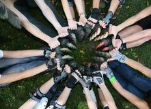 Os rolos entregam e os pés Fotografia de Stock Royalty Free