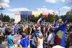 Os Romanians de no exterior protestam contra o governo foto de stock royalty free