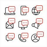 Os símbolos dos meios e dos dispositivos com linha ícones das bolhas do discurso do estilo ajustaram-se, conceito entrante da inf Ilustração Stock