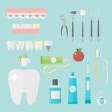 Os símbolos lisos do dentista dos cuidados médicos pesquisam o conceito de sistema de saúde das ferramentas e a higiene médicos d Imagem de Stock Royalty Free