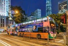 Os serviços de ônibus públicos em Hong Kong são populares com turistas e os cidadãos locais Fotografia de Stock