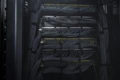 Os serviços enormes da nuvem da sala do servidor do centro de dados Fotografia de Stock Royalty Free