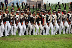 Os soldados do exército do russo em Borodino lutam o reenactment histórico em Rússia Foto de Stock Royalty Free