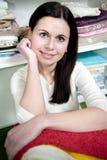 Os sorrisos bonitos da menina Imagem de Stock Royalty Free