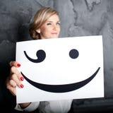 Os sorrisos bonitos do ?irl bonito Fotos de Stock Royalty Free
