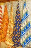 Os tableclothes turcos no mercado de Antalya Foto de Stock Royalty Free