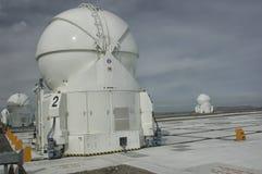Os telescópios do obervatório de Cerro Paranal imagens de stock