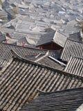 Os telhados da casa tradicional dos povos de Naxi Foto de Stock