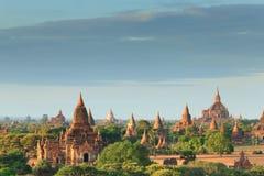 Os templos de bagan no nascer do sol, Bagan, Myanmar fotografia de stock royalty free