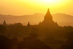 Templos de Bagan no por do sol imagens de stock