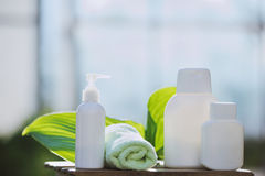 Os termas com natural desnatam e lubrificam fotos de stock