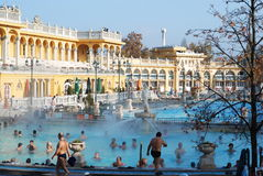 Os termas de Szechenyi em Budapest imagem de stock royalty free