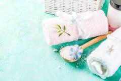 Os termas relaxam e o conceito do banho Fotos de Stock