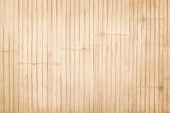 Os testes padrões de tradicional tailandês handcraft a cerca de bambu, fundo de madeira natural da textura foto de stock royalty free