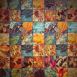 Os testes padrões velhos dos azulejos da parede handcraft dos parques de Tailândia públicos Foto de Stock