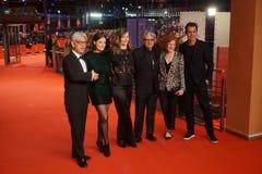 Os 68th membros do júri de Berlinale durante a cerimônia de fechamento fotografia de stock