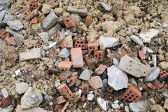 Os tijolos do desperdício da construção Fotos de Stock Royalty Free