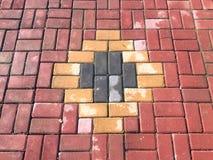 Os tijolos modelam ao longo da passagem Imagem de Stock