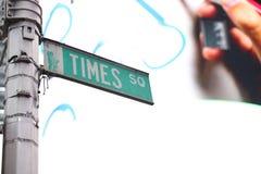 Os Times Square assinam dentro New York Fotografia de Stock Royalty Free