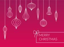 Os tipos diferentes alinharam quinquilharias - bolas que penduram o grupo no fundo cor-de-rosa Cartão do Feliz Natal do projeto s ilustração do vetor