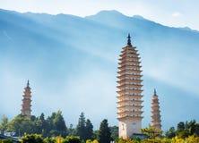 Os três pagodes do templo de Chongsheng em Dali, China Foto de Stock
