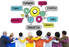 Os trabalhos de equipa conectam a visão da estratégia alinham junto o conceito imagem de stock royalty free