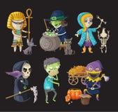 Os trajes e haloween caráteres Fotografia de Stock