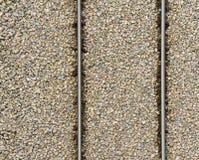 Os trilhos estão no monte da entulho Fotografia de Stock Royalty Free