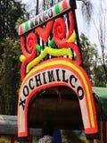 Os trjineras famosos ou os barcos da parte inferior lisa do xochimilco, Cidade do México fotos de stock royalty free