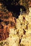Os turistas do amanhecer olham a luz Fotos de Stock Royalty Free