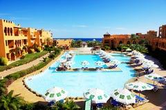 Os turistas estão em férias no hotel popular Fotografia de Stock Royalty Free
